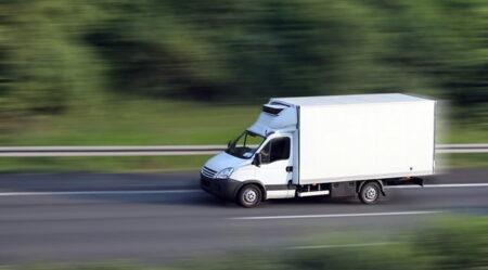 bezpieczny transport bagaży i towarów